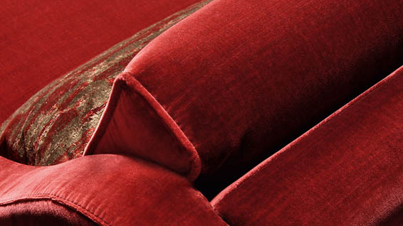 Velvety fabrics and warm colors for Smania classic style sofas